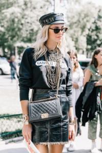 Vì sao thương hiệu thời trang cao cấp đột ngột tăng giá giữa đại dịch?